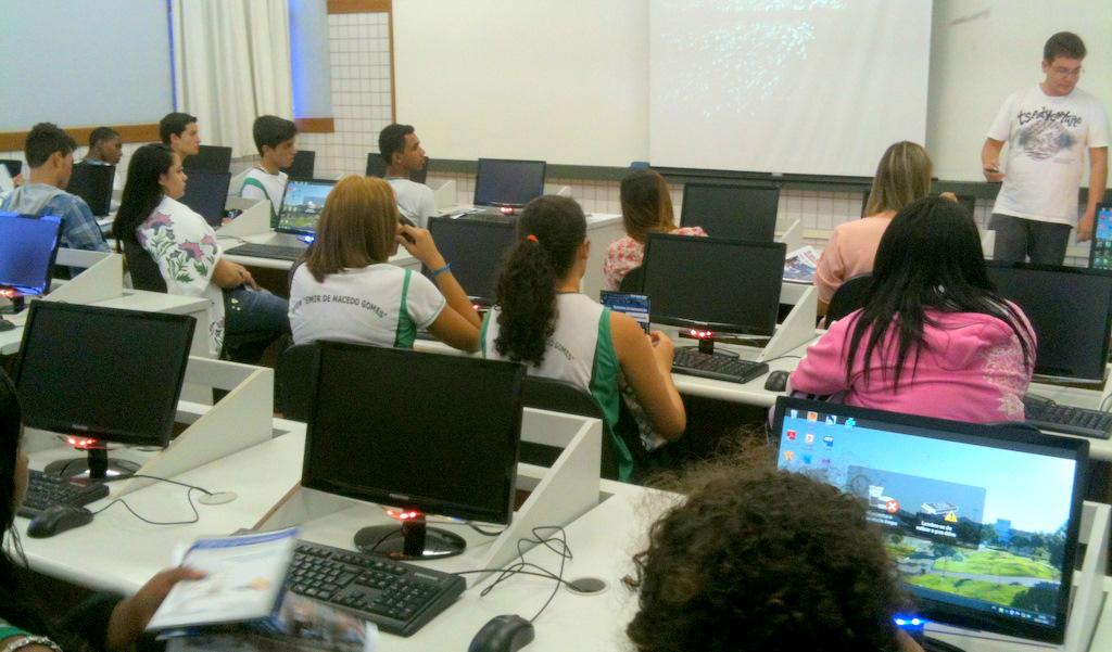 Escolas decidem se haverá aula em dias de jogos da seleção em Linhares