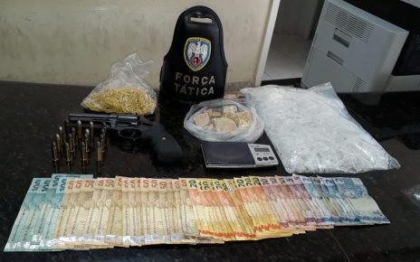 Armas,drogas, dinheiro e munição apreendidos em Linhares site de noticias em linhares es
