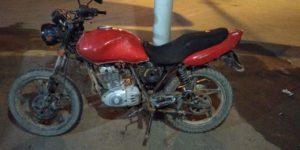 Motocicleta que estava com Rodrigues e Yan