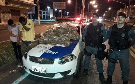 https://radargeral.com/policia/mais-de-60-quilos-de-maconha-apreendidas-em-um-taxi-em-linhares-es-na-noite-de-ontem-5/