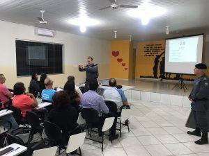 Na noite ONTEM (8) o comando do 12º Batalhão da Polícia Militar DE Linhares, no Norte Capixaba,, major PM Gelson Lozer Pimentel reuniu com lideranças municipais para ratar da segurança. Participaram representantes das comunidades de Rio Quartel, Baixo Quartel e Bebedouro do município de Linhares