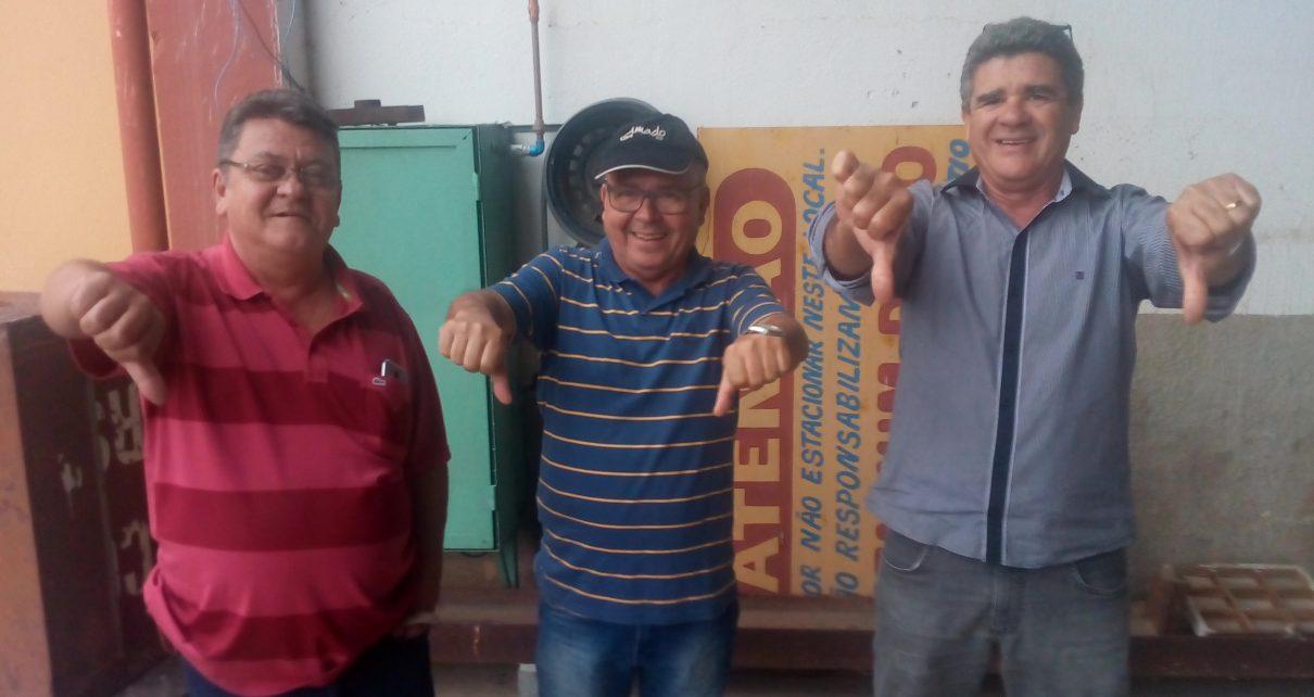 Antônio Massaro, José Hipólito e Carlos Alberto Ramos Ferreira foram para Linhares participar do Fest Cacau, que não aconteceu radargeral.com
