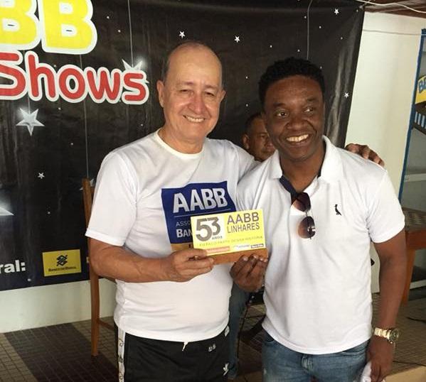 Nélio, ex-jogador do Flamengo nos anos 90, foi homenageado com a placa 53 anos de AABB Linhares, neste domingo (16.09). PJ Colunista