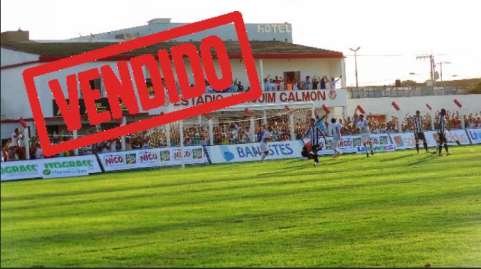 O Estádio Joaquim Calmon, localizado no bairro Shell, em Linhares, no Norte Capixaba, será demolido para a construção de um hipermercado. O estádio que era a casa do Linhares Futebol Clube e pertencia à família Calmon tinha capacidade para cerca de 3 mil pessoas, e foi vendido por aproximadamente R$ 20 milhões.