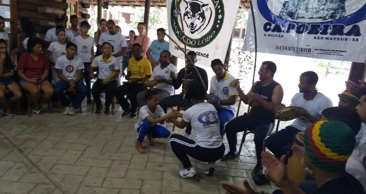 Abertas as inscrições para aulas de capoeira na Associação Atlética Banco do Brasil – AABB Linhares. As inscrições encerram-se no próximo dia 9 sendo voltada para os sócios.