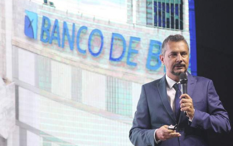 O novo presidente do Banestes, Vasco Cunha Gonçalves, é um dos alvos de uma operação da Polícia Federal que investiga supostas fraudes no Banco Regional de Brasília (BRB).