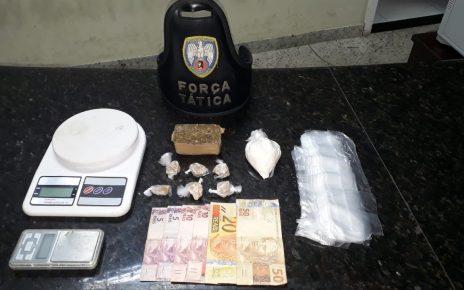 pm de alinhares apreende drogas linhares cinco marcelo v.p.d.s preso