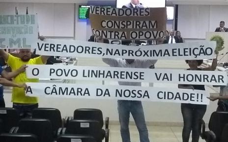 manifestação contra arquivamento caso rosinha guerreira na camara de vereadores de linhares
